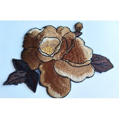 Aplicacion de flor marrón