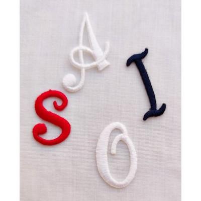 Letras   termoadhesivas bordadas de 25mm